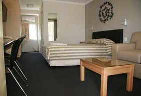 Queensgate Motel - Yamba Accommodation