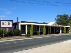 Top Drop Motel - Yamba Accommodation