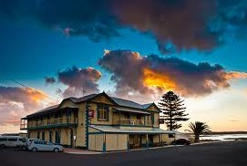 Arno Bay Hotel - Yamba Accommodation