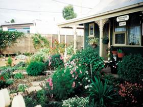 Schoolhouse Cottage - Yamba Accommodation