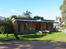Casuarina Coastal Units - Yamba Accommodation
