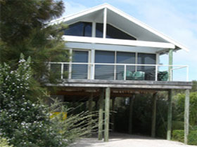 Sheoak Holiday Home - Yamba Accommodation