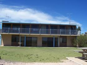 Moonta Bay Beach Villas - Yamba Accommodation