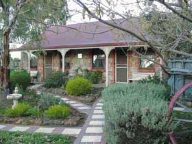 Langmeil Cottages - Yamba Accommodation