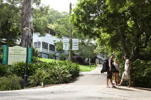 Halse Lodge Backpackers Hostel YHA - Yamba Accommodation