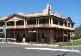 The Royal Hotel Adelong - Yamba Accommodation