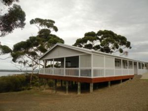 Oyster Bay Retreat - Yamba Accommodation