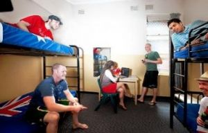 Maze Backpackers And Cb Hotel - Yamba Accommodation
