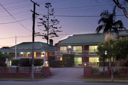 Aabon Holiday Apartments  Motel - Yamba Accommodation
