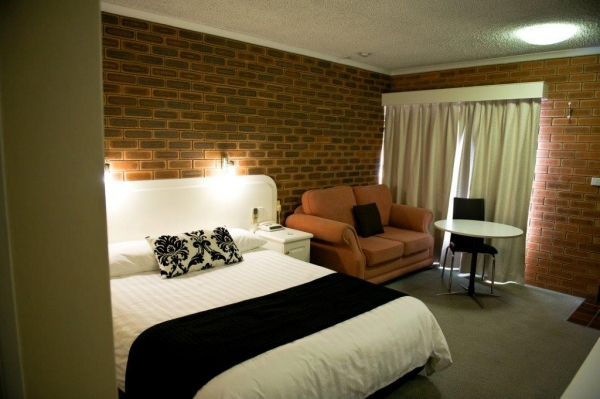 Cousins Motor Inn - Yamba Accommodation