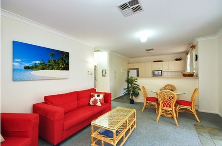 Beaches Serviced Apartments - Yamba Accommodation