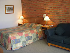 Australian Settlers Motor Inn - Yamba Accommodation
