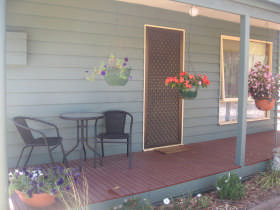Waterfall Cottage - Yamba Accommodation