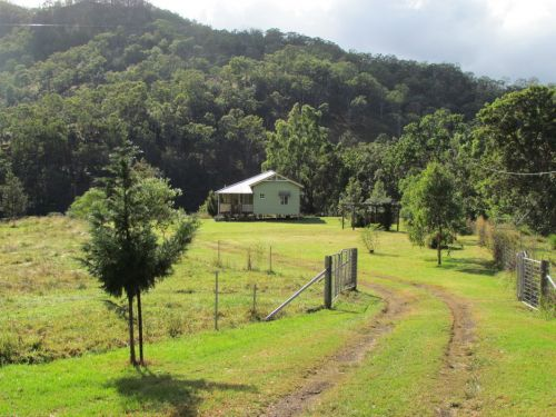 Eighteen Mile Cottage and Homestead - Yamba Accommodation