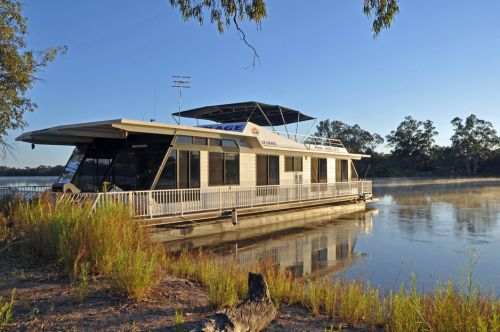 Houseboat Heaven - Yamba Accommodation