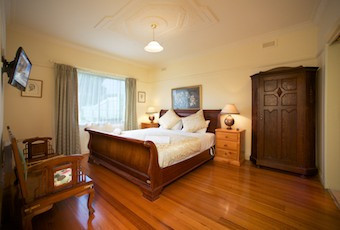 Nazaaray Beach House - Yamba Accommodation