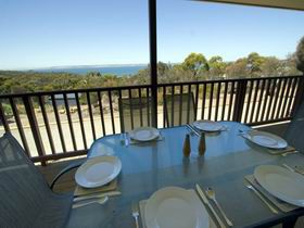 American River Water View Cottage - Yamba Accommodation