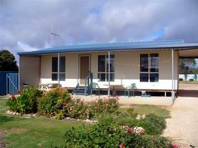 A Place To Stay - Yamba Accommodation
