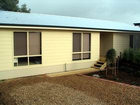 Footsteps At Normanville - Yamba Accommodation