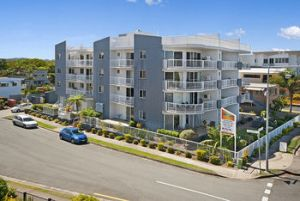 Sandy Shores Luxury Holiday Units - Yamba Accommodation