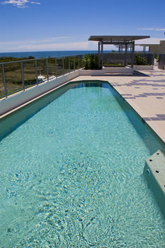 White Shells Luxury Apartments - Yamba Accommodation