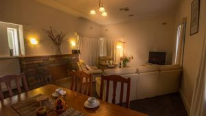 Benson House and Benson Lodge - Yamba Accommodation
