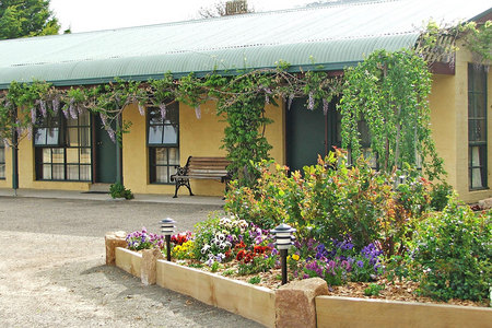 Omeo Motel - Yamba Accommodation