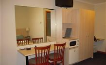 Tudor Inn Motel - Hamilton - Yamba Accommodation