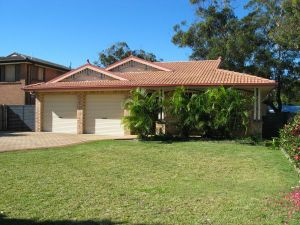 Seawest - Hawks Nest Accommodation - Yamba Accommodation