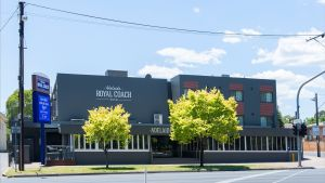 Adelaide Royal Coach - Yamba Accommodation