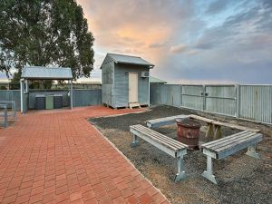 Mungo Shearers' Quarters - Yamba Accommodation