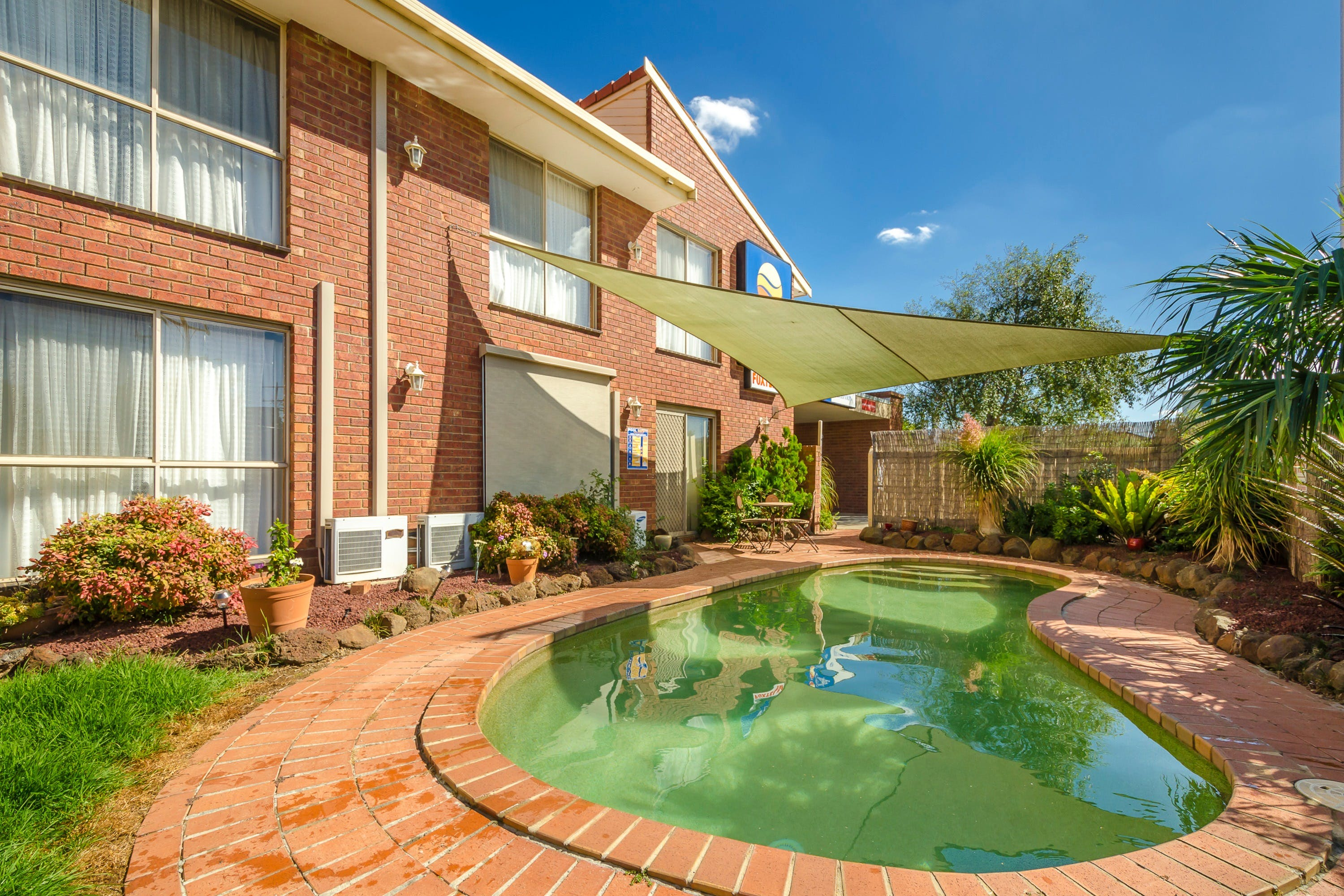 Werribee Motel  Apartments - Yamba Accommodation
