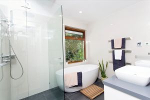Woodbury House - Yamba Accommodation