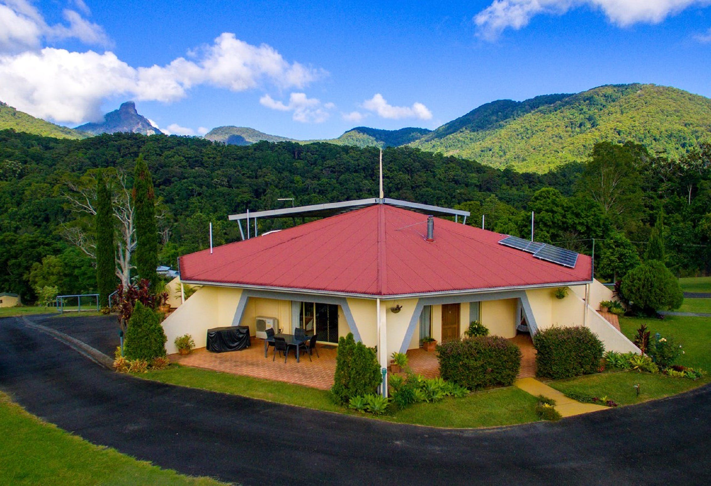 A View of Mount Warning Bed and Breakfast - Yamba Accommodation