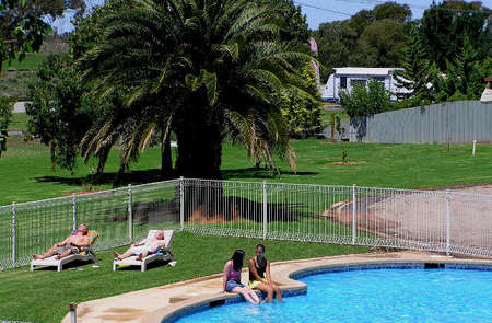 Swan Hill Holiday Park - Yamba Accommodation