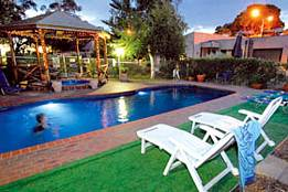 Mirrabooka Units - Yamba Accommodation