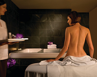 Four Seasons Hotel Sydney Spa - Yamba Accommodation