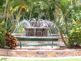 Bauer and Wiles Memorial Fountain - Yamba Accommodation