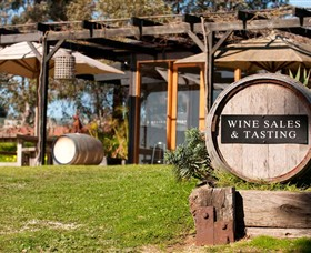 Saint Regis Winery Food  Wine Bar - Yamba Accommodation
