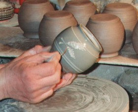 Nulladolla Pottery Group - Yamba Accommodation