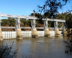 Gogeldrie Weir - Yamba Accommodation