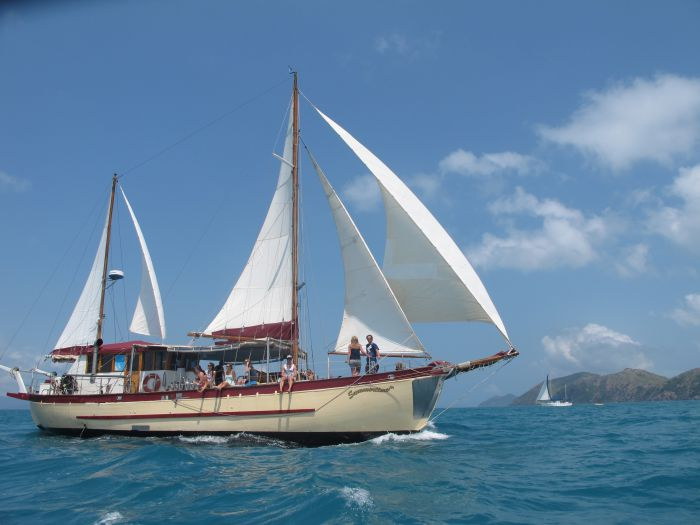 Adventure Cruise Dive and Outer Reef - Whitsundays Sailing Adventures - Yamba Accommodation