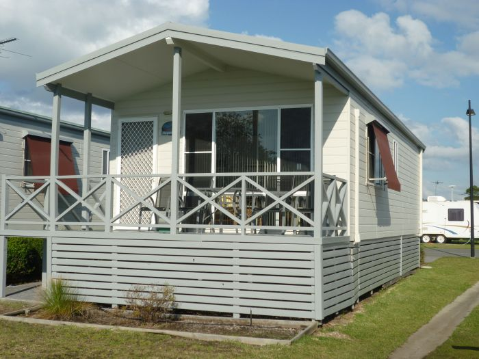 Belmont Pines Lakeside Holiday Park - Yamba Accommodation