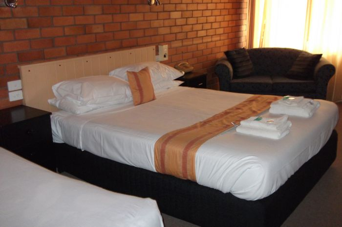 Hilldrop Motor Inn - Yamba Accommodation