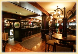 Waxy's Irish Pub - Yamba Accommodation