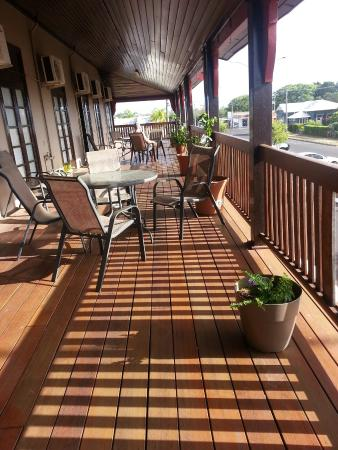 Commercial Hotel Clermont - Yamba Accommodation