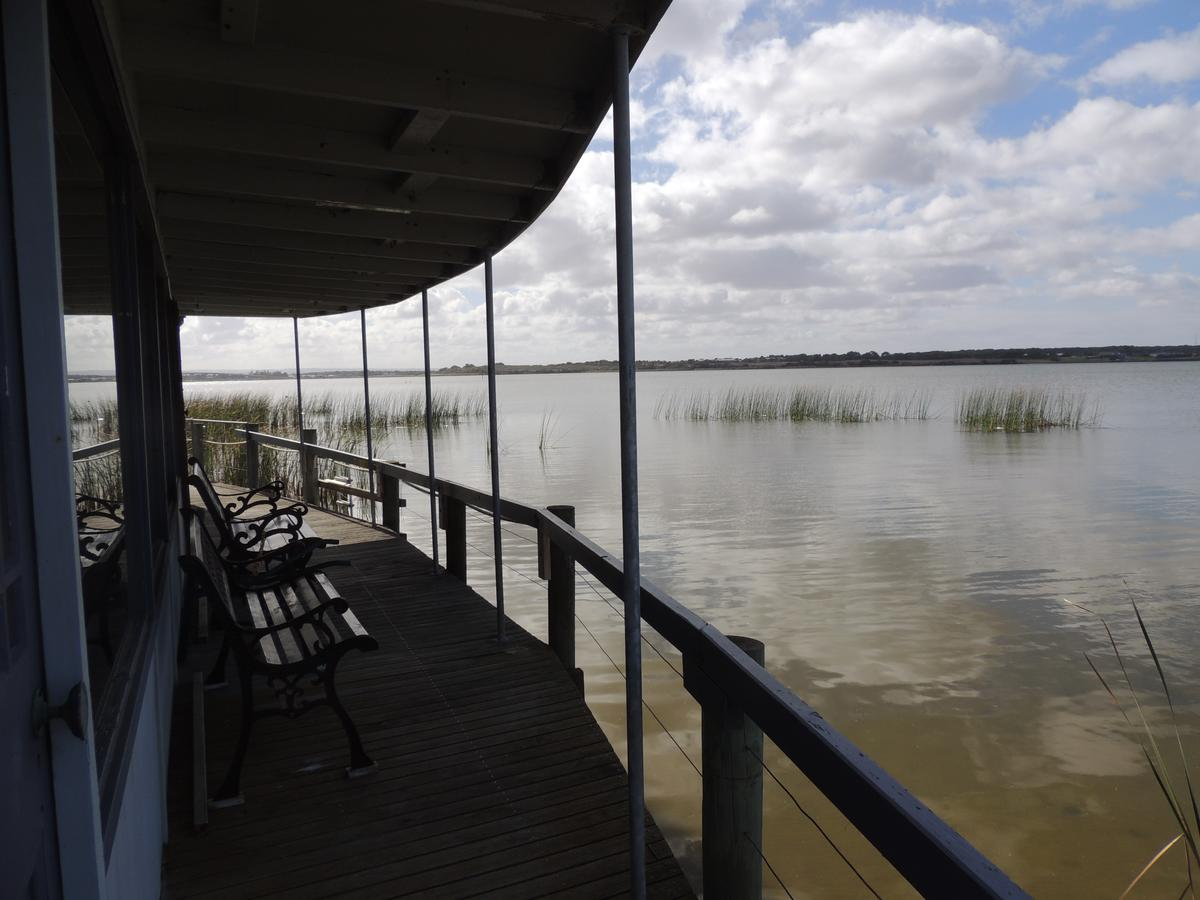 PS Federal Retreat Paddle Steamer Goolwa - Yamba Accommodation