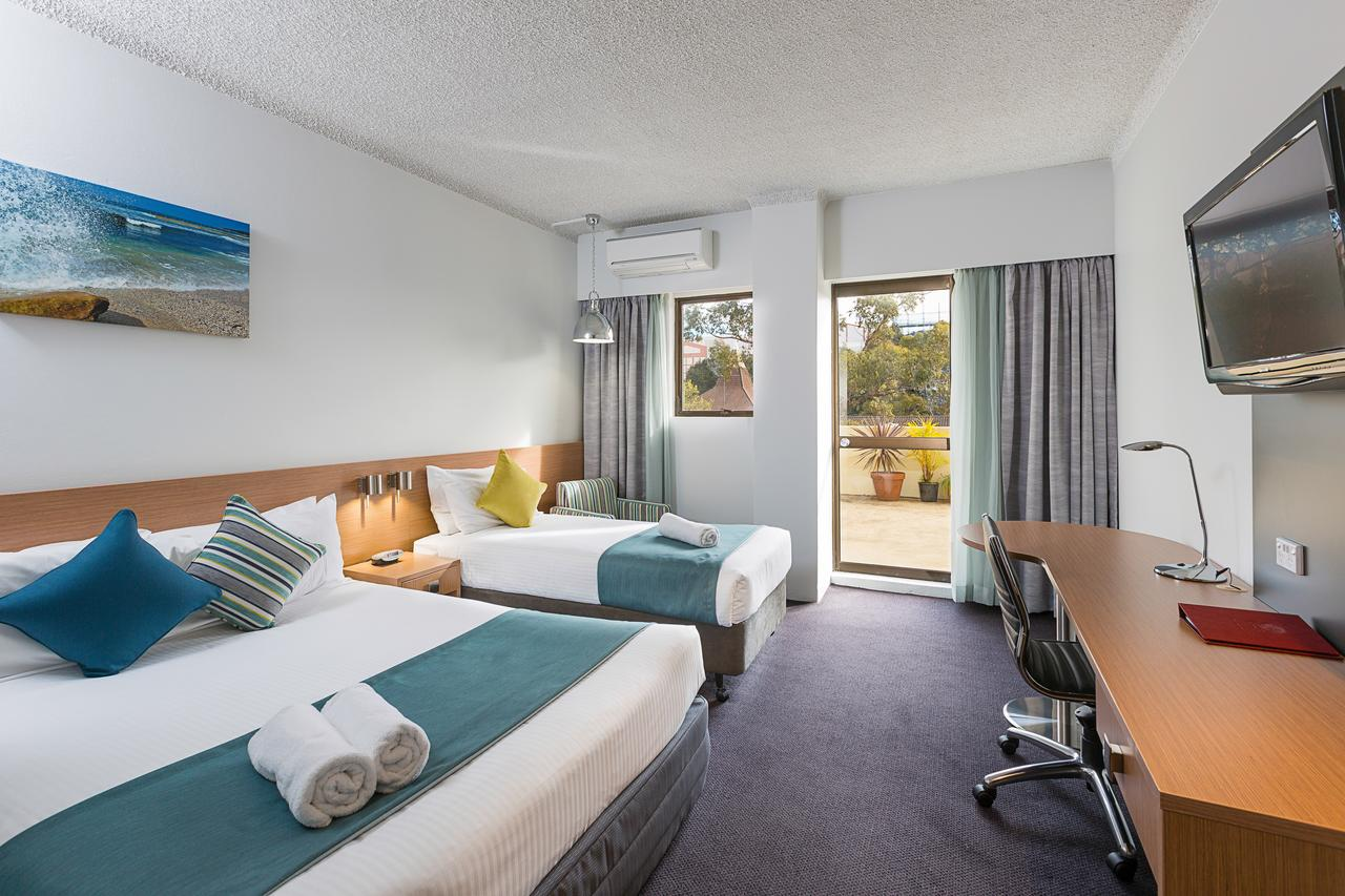 Metro Hotel Miranda - Yamba Accommodation