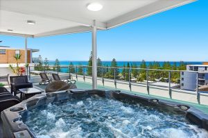 Macquarie Waters Boutique Apartment Hotel - Yamba Accommodation
