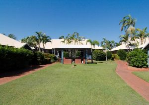 Cable Beach Apartments - Yamba Accommodation